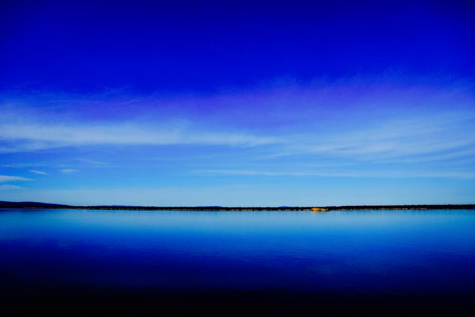 Image of a peaceful lake